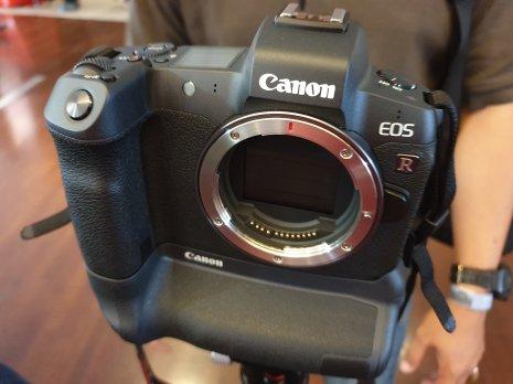 Canon-EOS-R-00006
